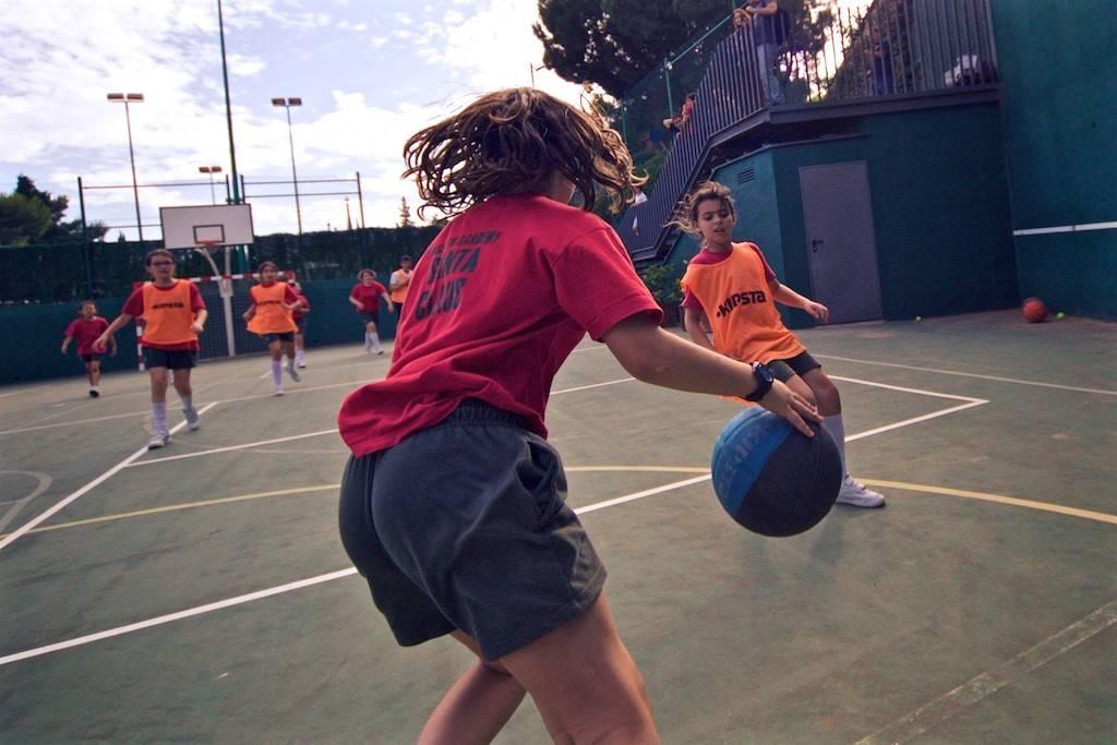 2018-SantaClaus-Basket 12